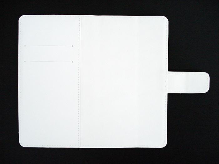 1ef2f42cbc 内面のカラーを「ホワイト」・「アイボリー」の2色からお選び頂けます。 ※カメラ穴あけとケース ...